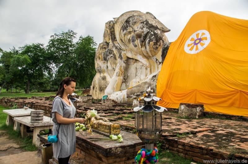 Phra Buddha Sai Yat (The Reclining Buddha) 2
