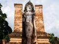 ein stehender Buddha