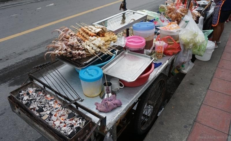 Alles kommt auf den Grill in Bangkok