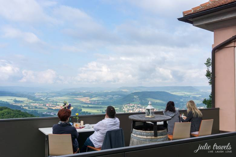 Leuchtenburg_Terrasse_julietravels