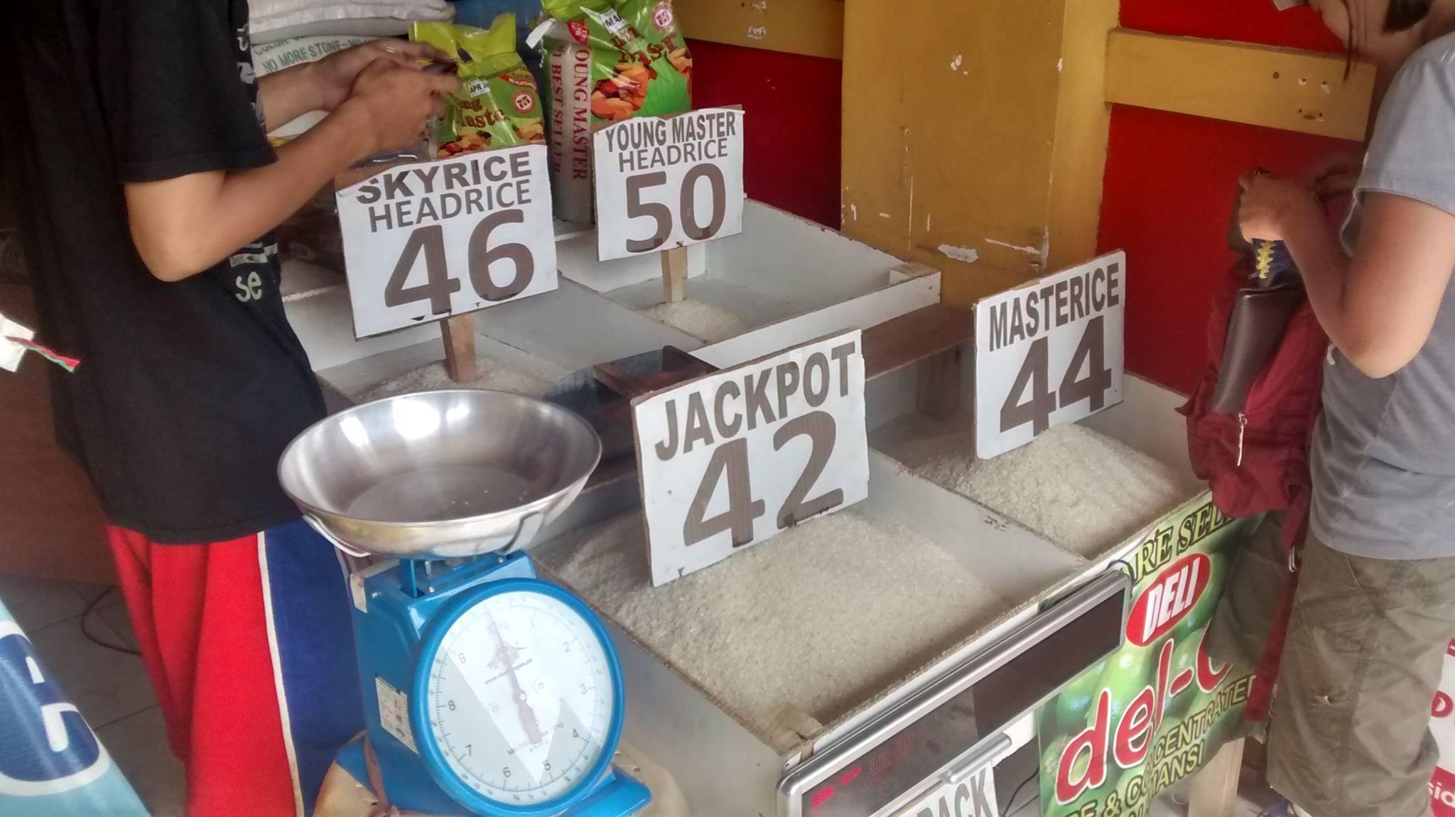 Reis auf dem Markt auf den Philippinen