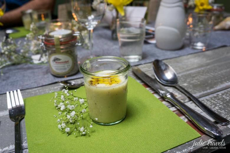 Die Vorspeise - Blumenkohl-Parmesansuppe