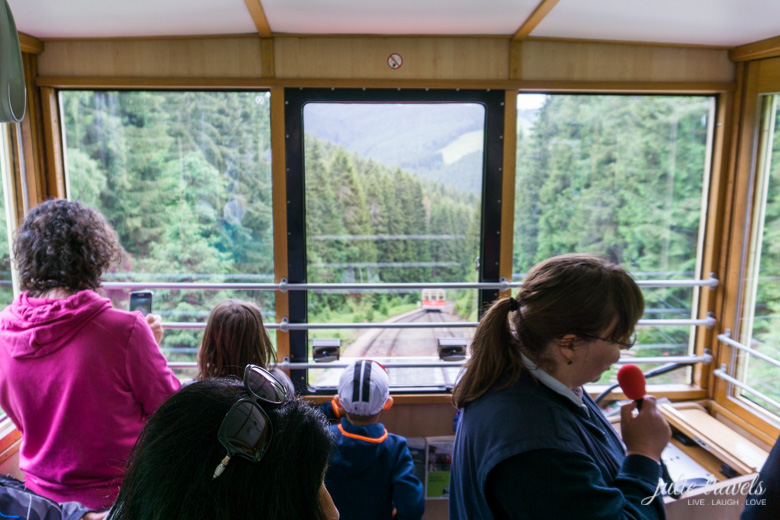 Gegenverkehr auf der Oberweißbacher Bergbahn